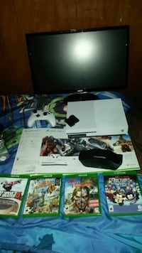 Bundle XBOX1s  with 24 lcd monitor  Cambridge, N1R 6C6