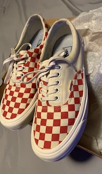 Red and off-white checkerboard era crft size 9.5 Las Vegas, 89138