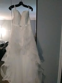 Wedding dress Size 10/12 Waldorf