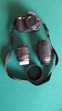 Nikon D3000 with 2 lenses and bag
