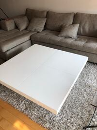 Modern White glossy coffee table with hidden storage Lachine, H8S 1T4