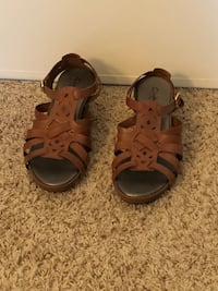 pair of brown leather open-toe sandals Tigard, 97224