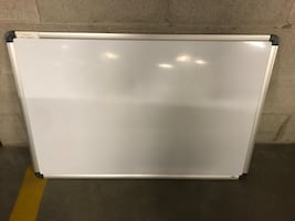 Dry erase white board in great cobdition