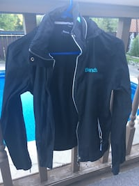 Size medium Bench jacket with removable hood  Essa