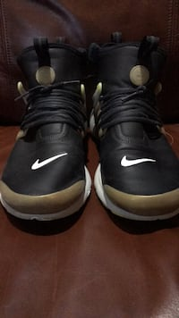 Pair of Nike air presto mid utility black yellow gold running shoes size 9 Mission, 78574
