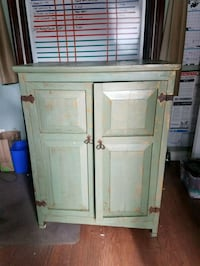 CABINET- GREEN & GOLD DISTRESSED PAINT, RUSTIC  Oakland, 94601