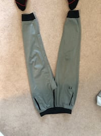 Under armour joggers Large Woolwich, N0B 1N0