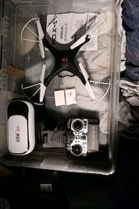Stunt quadcopter w\2  extra 2 batteris and VR googles