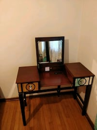 Dressing table  Knoxville, 37909