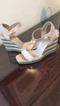 Wedge shoes by Carouzos 9 1/2 Aldie, 20148