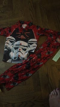 Lego Star Wars Pyjamas size 4. New with tags. Serious only please. Pick up is in Thornhill. Vaughan, L4J 5L7
