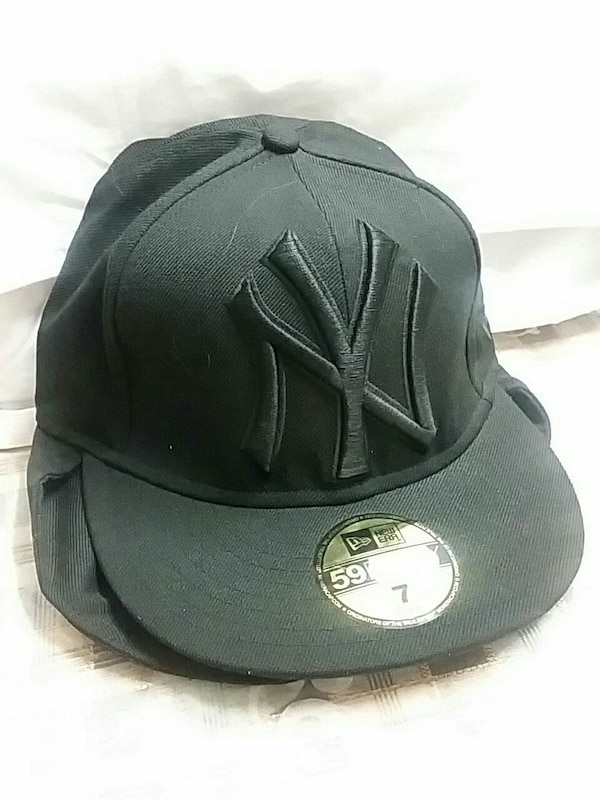 2ea9c5b9cc8f9 Used black New York Yankees fitted cap for sale in Ilford - letgo