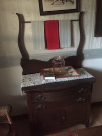 Brown wooden dresser with mirror Ocala, 34471