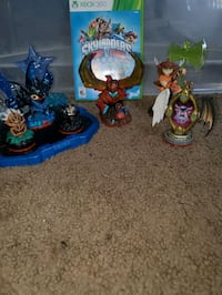 Skylanders Trap Team X360 and figures