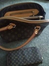 brown Louis Vuitton leather handbag Kelowna, V1X 7Z6