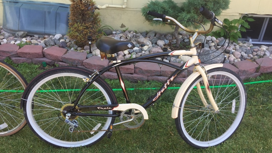 Photo Huffy Ocala vintage beach cruiser adult bicycle