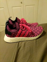 Nmd r2 pink size 10 mens Surrey