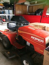 Red and black  roper 16 hp runs great. Just used the other day Struthers, 44471