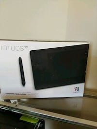 Intuos Pro Drawing tablet! Like new!