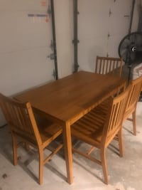 Kitchen/dining room table and chairs
