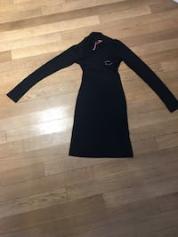 New Black long-sleeved dress size small  783 km