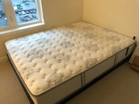 white and gray floral mattress Revere, 02151