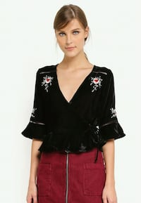 BNWT EMBROIDERED VELVET WRAP BLOUSE Toronto, M5B 2H5