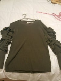 Green Blouse olive green Toronto, M4Y 1E1