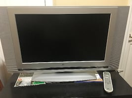 Zenith TV – Size 23 inch with remote