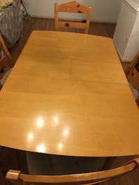 Dining table with 5 chairs  Springfield, 22150