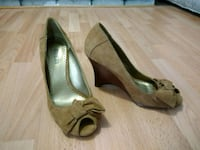 Guess Peep Toe Wedge, Size 6M Surrey, V3T