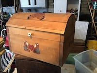 CHILDS TOY TOY BOX ALL WOOD MINT  Downers Grove, 60516