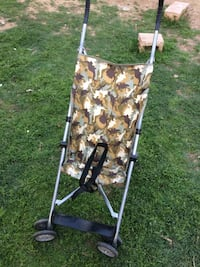 gray and brown tree camouflage umbrella stroller Bakersfield, 93305