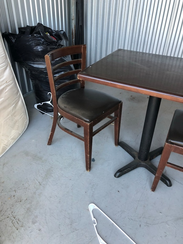 Table & 2 chairs 799c0119-f2fc-4a40-bcc4-ed6d71770ce8