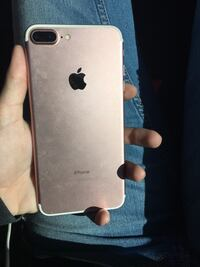 IPhone 7 plus rosegold Charles Town, 25414