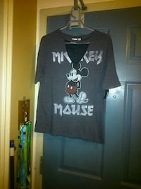 Women's  Mickey mouse shirt size small  London, N5W 2Y8