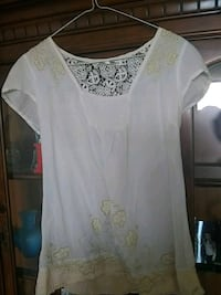 white floral scoop neck cap sleeve shirt St. Catharines