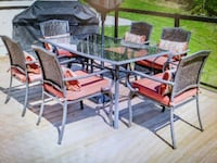Outdoor patio set and 6 chairs  Simcoe County