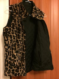 Women's leopard two sided sleeveless vest Edinburg, 78539