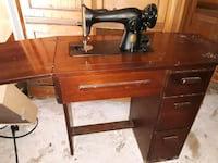 1940's SINGER WITH 3 DRAWER CABINET Brandon, 39047