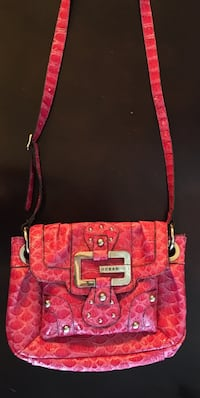 women's pink guess purse Spruce Grove, T7X 0R8