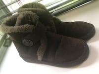 Pair of black Michael Kors sheepskin boots Vienna, 22180