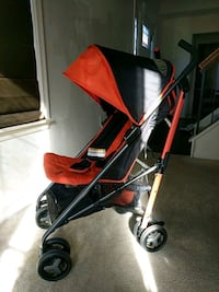 Zobo Bolt Lightweight Stroller - Red Hibiscus