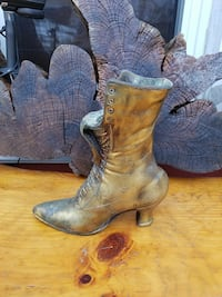 bronze women's boot approximately 14 inches tall Weston, 06883