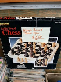 Chess board game $6 Vancouver, V5T 1X9