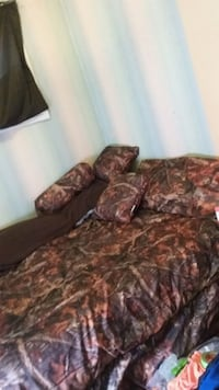 Camouflage bed set king size