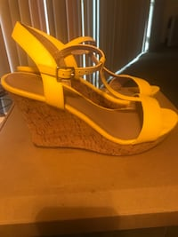 Off Broadway Yellow Wedges