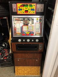 RARE.   STARLINER stand up slot machine Nanaimo, V9T 2N6