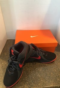 Nike Overplay VIII size 10 Black and Red Manassas