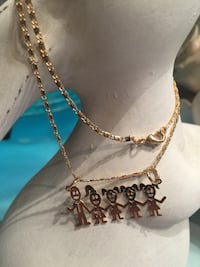 18k GPL 3 Girls Mom And Dad Necklace